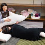 抱き枕も併用して寝心地のチェック